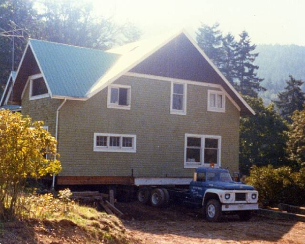 Ladysmith BC Belton Bros House moving two stories