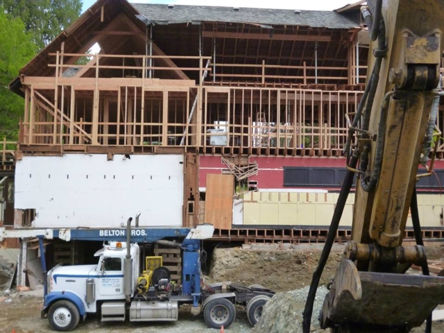 Belton Bros raises a structure in Shawnigan Lake