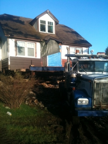 House being moved by Belton Bros of Vacouver Island